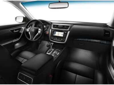Nissan_Altima_interior_lighting